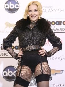 madonna-billboard-music-awards-05-435x580